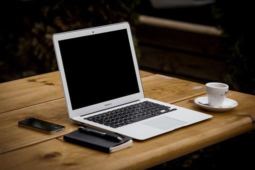 Blogger Station